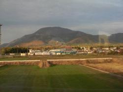 新幹線窓から息吹山