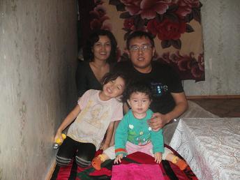 アザマットさん家族