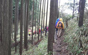 三郎岳へ0426