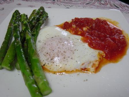 トマト卵のアスパラ添え