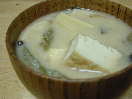 筍と厚揚げの粕汁