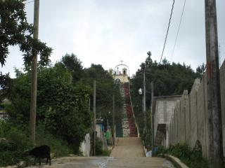 丘へ登る階段