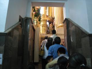 祭壇の裏側