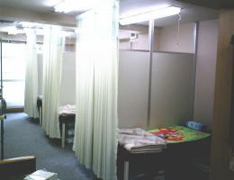 神子田医院点滴室2