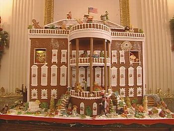 wch03_gingerbreadhouse_i[1]