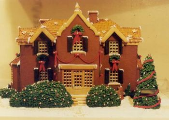 Gingerbread_House_Mansion_front[1]