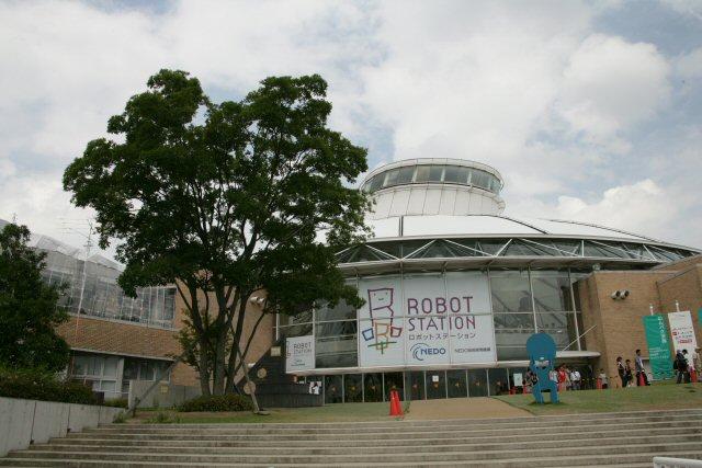 200509101317_robot.jpg
