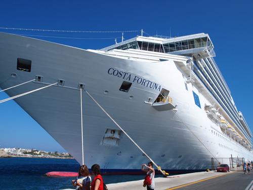 コスタの船…