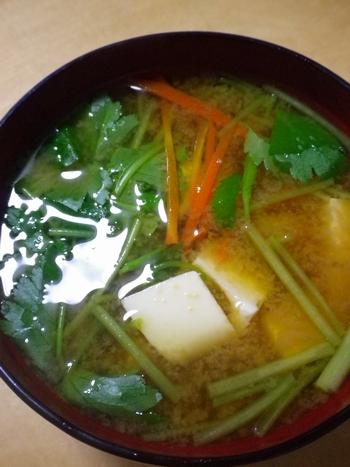 豆腐、三つ葉とにんじん