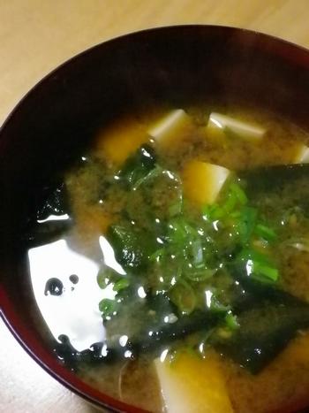 豆腐とわかめの味噌汁4