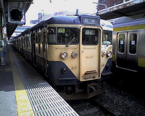 113系(2010年3月3日・千葉駅)