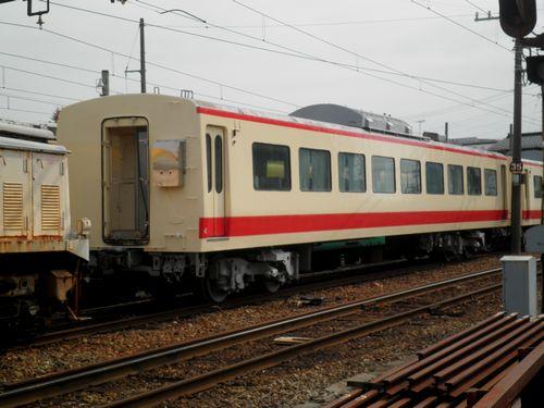 富山地方鉄道サハ111