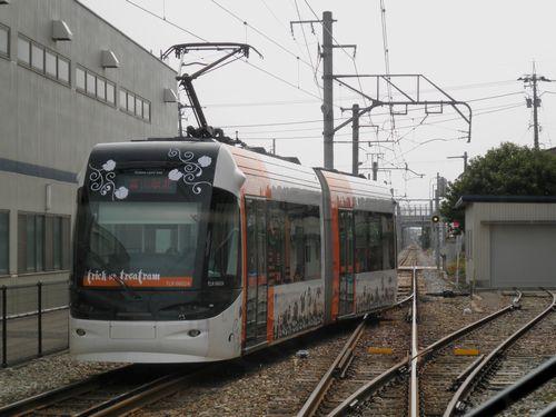 富山ライトレール・2011年版「ハロウィン電車」(TLR0602)