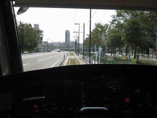 富山ライトレール・富山駅北~インテック本社前間の芝生軌道