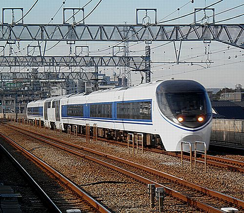 JR371系「あさぎり」(小田急線喜多見)・2