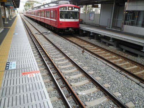 京急六浦駅・狭軌専用分岐器2