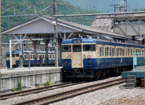 八トタ115系(2011年5月21日・大月駅)