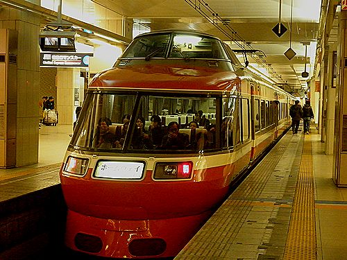 小田急7000形LSE(復活旧塗装車)