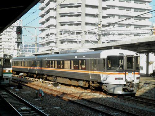 身延線・373系の普通列車(2012年2月22日・富士駅)