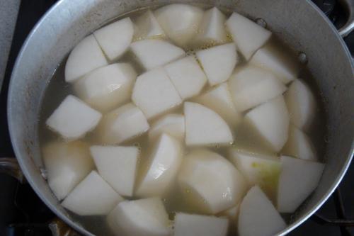 081206-011鶏肉と野菜のスープ煮かぶ投入(縮小)