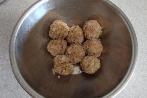 090111-013余った具は肉団子に(縮小)