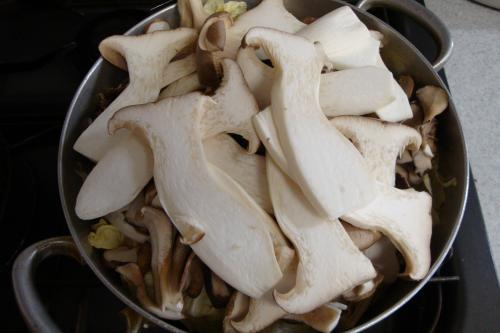 090211-020白菜ときのこの蒸し煮セット直後(縮小)