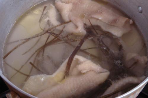 090404-020鶏皮でスープ(縮小)