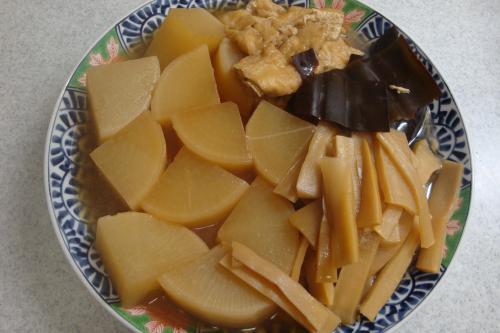 090418-030大根とメンマと油揚げの煮物(縮小)