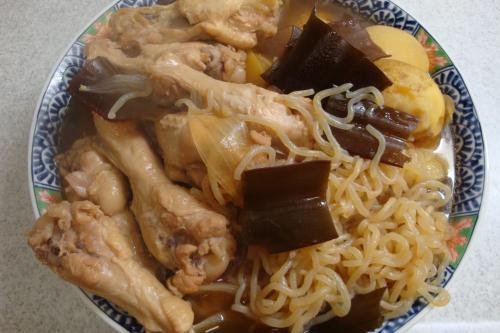 090425-010鶏手羽元とじゃがいもと玉ねぎの煮物(縮小)