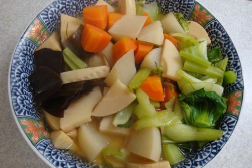 090504-030野菜の煮物(縮小)