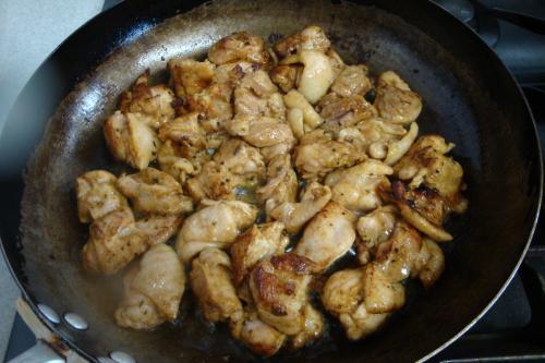 090801-012鶏肉焼いているところ(縮小)