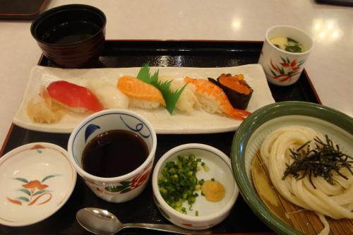 090730-寿司うどんセット(縮小)
