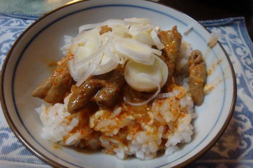 090921-014モツ煮丼(縮小)