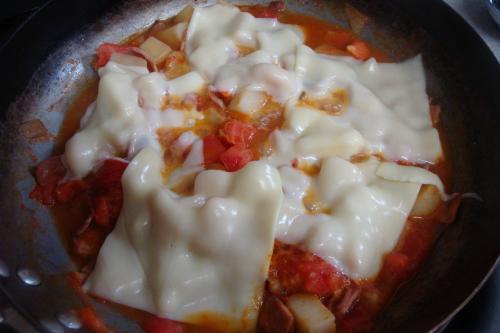 090927-020じゃがいもとトマトのチーズ焼途中(縮小)