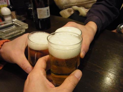 111216-022ビールで乾杯(S)