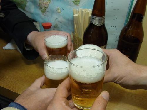 111221-006ビールで乾杯(S)