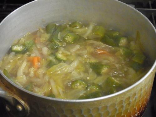 120107-030野菜のコンソメスープ煮(S)