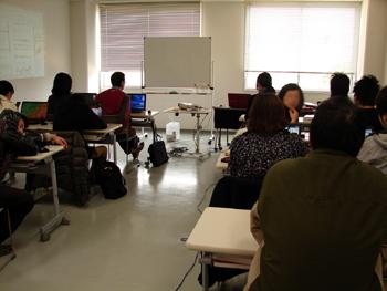 講座生の机