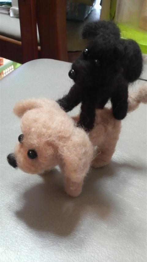 こげ人形がもき人形にマウント?
