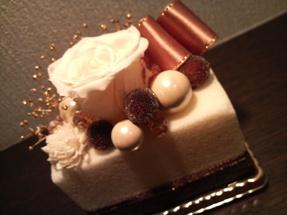プリザーブドフラワーで作るケーキの会より誕生日プレゼント