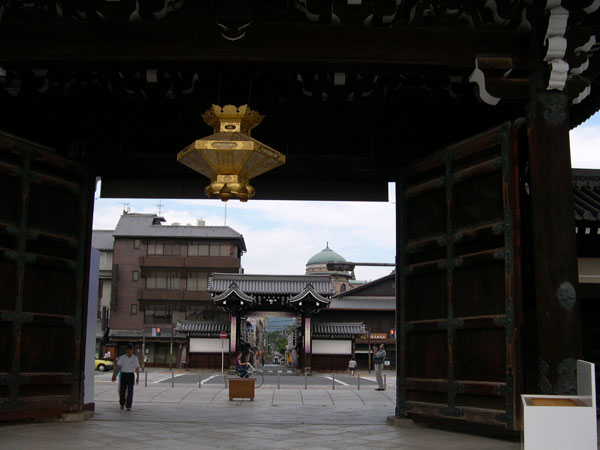 DSCN4837西本願寺御影堂門