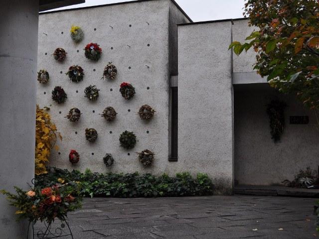 wreath_1993.jpg