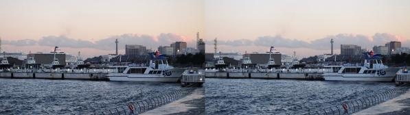 横浜マリンタワー(平行法)