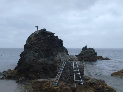縄張り前の夫婦岩