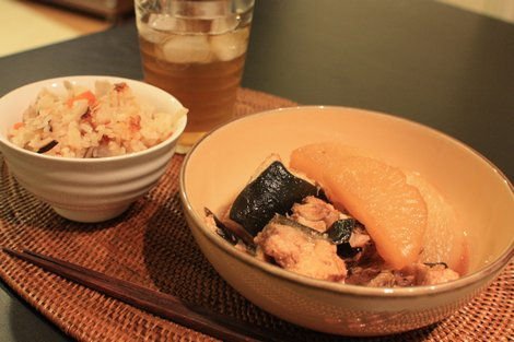 炊き込みご飯とブリ大根