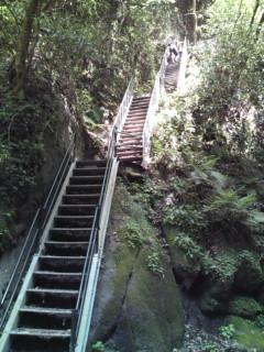 由布川の階段上り