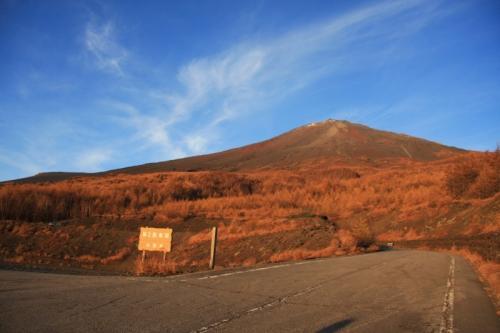 朝陽に染まる富士山頂