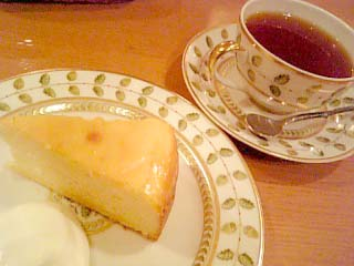 Cafe凛 紅茶+チーズケーキ