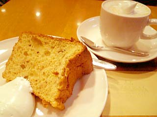 ZELKOVA シフォンケーキ+ウインナー・コーヒー