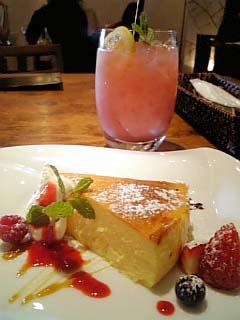 Flamingo Cafe ベイクドチーズケーキ+フラミンゴ・N・ジュース